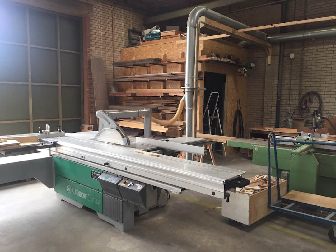 Bouwatelier 013 - Professionele zaagtafel woodskepping
